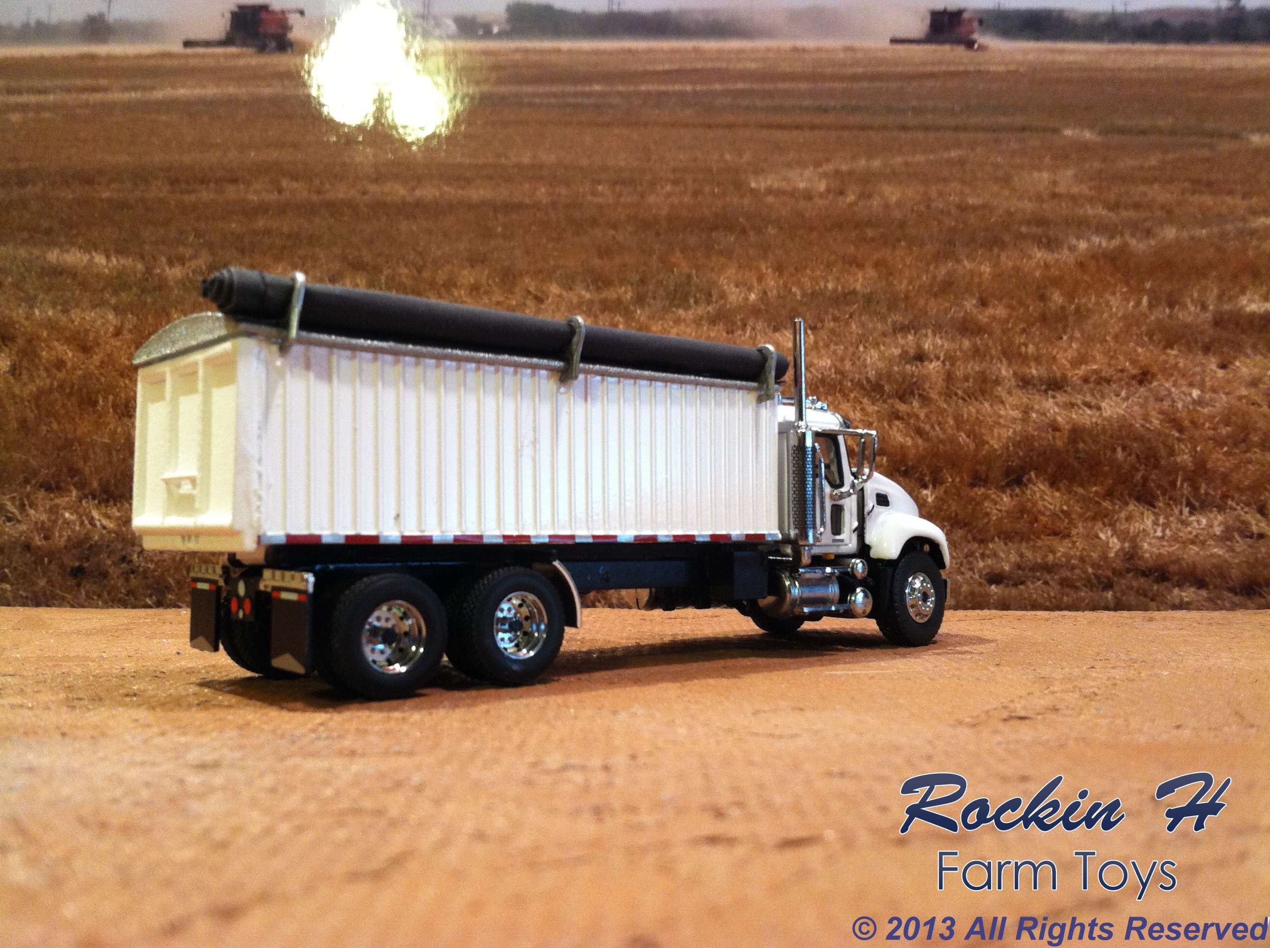 Mach Granite grain truck