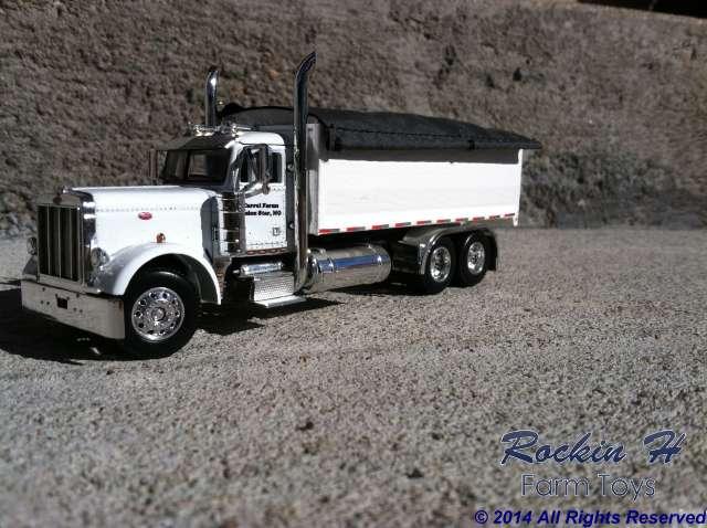 379 Peterbilt grain truck