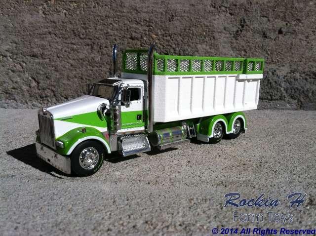Kenworth W900 silage truck